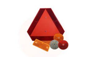 Trikotniki za počasna vozila, opozorilne plošče in odsevniki