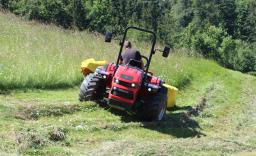 Demonstracija gorskih traktorjev