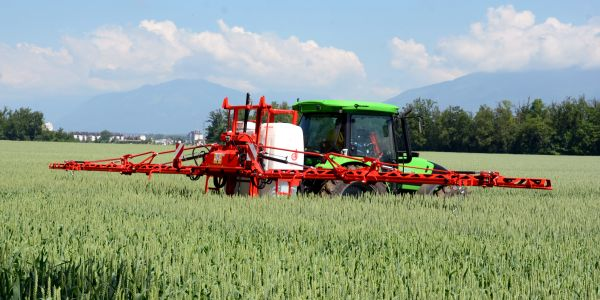 MOUNTED SPRAYERS AGS