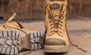 Škornji in čevlji