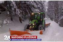 Dva metra snega na 130 kilometrih cest, pluženje je pravi podvig