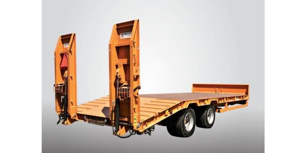 Prikolice za transport strojev Pronar