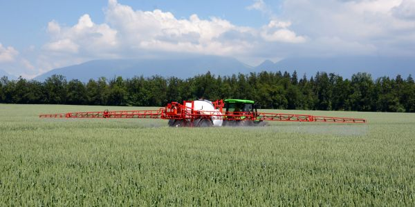 TRAILED SPRAYERS AGS